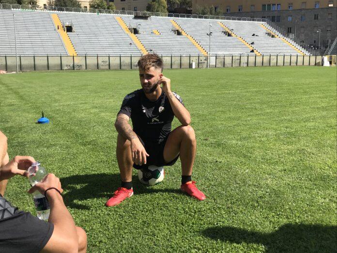"""Acn Siena, Pezzella: """"Nessun proclama, penso al campo"""""""