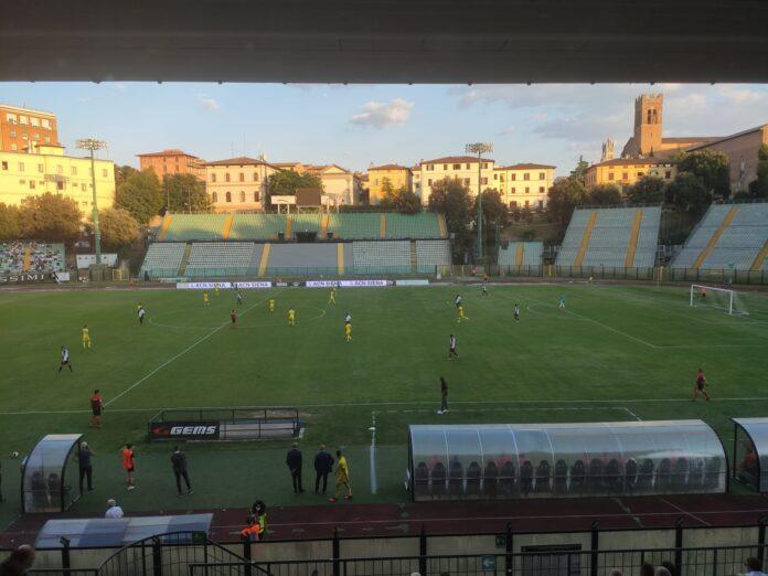 Calcio, Siena: Paloschi, Acquadro e Montiel stendono la Carrarese